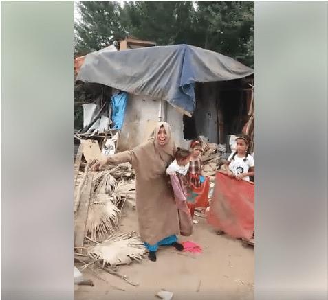 بالفيديو من ضواحي القنيطرة.. أسرة ساكنة فبوسط ديال الضو!!