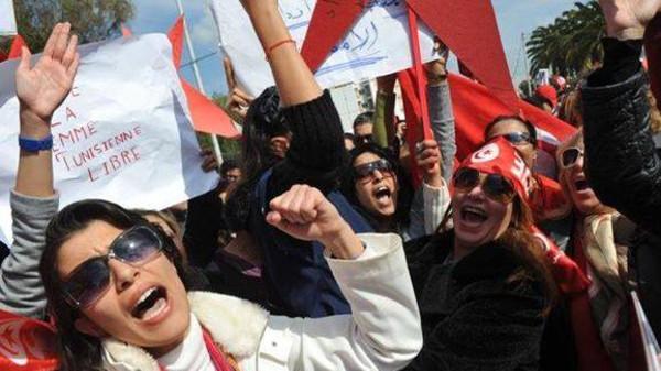 تونس.. زواج المسلمات بغير المسلمين ما بقاش ممنوع
