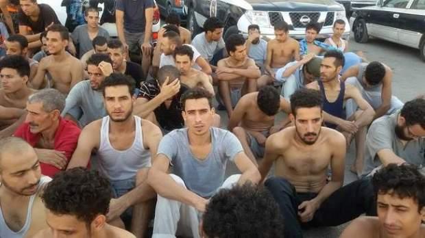 بعد نداءات واحتجاجات.. طائرة خاصة لترحيل 235 من المغاربة العالقين في ليبيا