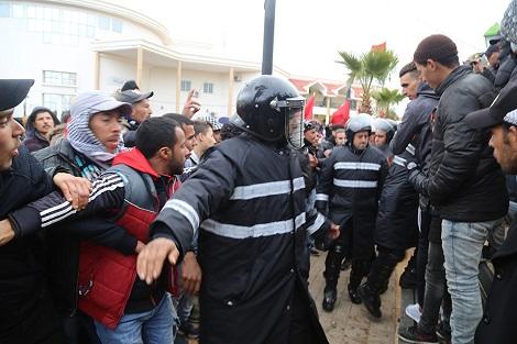جرادة.. مديرية الأمن تنفي إيواء البوليس في داخلية ثانوية الفتح بجرادة