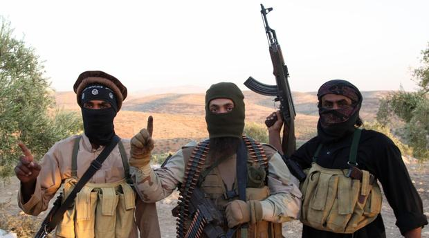 """وصفتهم بأنهم """"مهاجرون"""".. """"جمعية"""" تدافع عن المغاربة """"المقاتلين"""" في سوريا!!"""