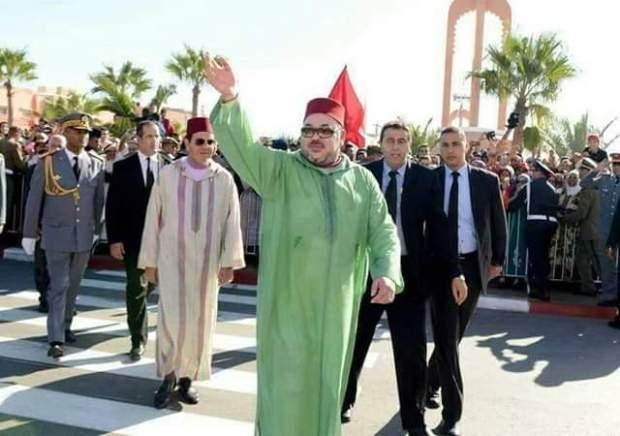 اتفاقية لإطلاق عدد كبير  من المشاريع المهمة.. الملك في أكادير