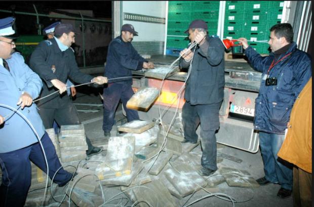ميناء طنجة.. التحقيق مع بوليس وديوانة بسبب تهريب كمية من المخدرات