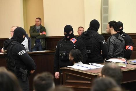 اعتداءات باريس.. محاكمة صلاح عبد السلام مستمرة والحكم في أبريل