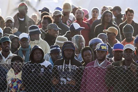 بينهم قاصرون.. منظمة دولية تفضح انتهاكات الجزائر في حق المهاجرين