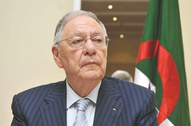 سياسي جزائري تصطى: الحشيش المغربي أخطر علينا من الصواريخ والقنابل!!