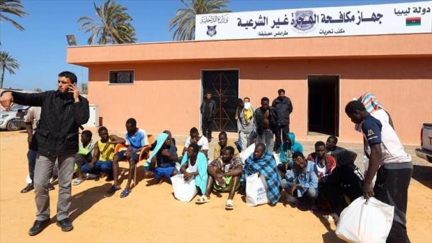 بينهم نساء و أطفال..إنقاذ أكثر من 300 حراك في ليبيا
