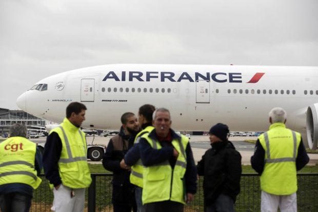 من بينها رحلات إلى الدار البيضاء و الرباط.. إضراب يربك شركة الطيران الفرنسية