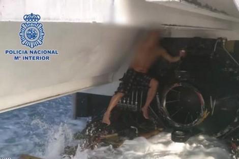 كانوا حاركين.. سلطات ميناء ملقا تنقذ 3 مهاجرين مغاربة