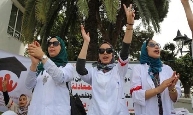 إضراب ووقفة.. الممرضون وتقنيو الصحة يحتجون
