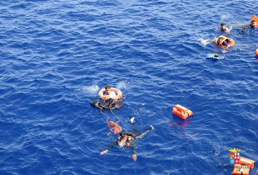 شواطئ مليلية.. غرق مهاجرتين سريتين
