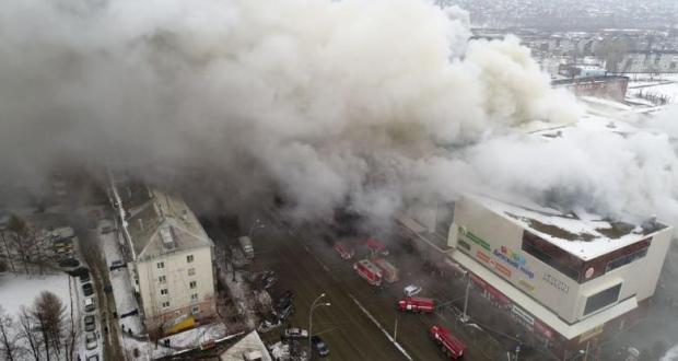 بالفيديو من روسيا.. قتلى وجرحى في حريق بمركز تجاري