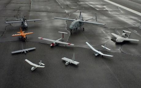 طائرات بدون طيار ومصابيح للتجسس.. حجز بضائع محظورة في معبر الكركرات