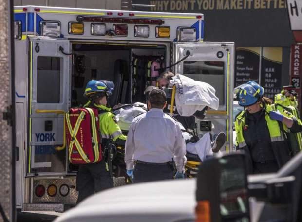 بالصور من كندا.. 9 قتلى و16 مصابا في حادث دهس بشاحنة