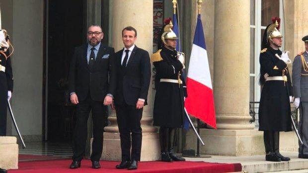 الوضع في الشرق الأوسط والقضايا الإقليمية والدولية.. مباحثات بين الملك والرئيس الفرنسي (+فيديو)