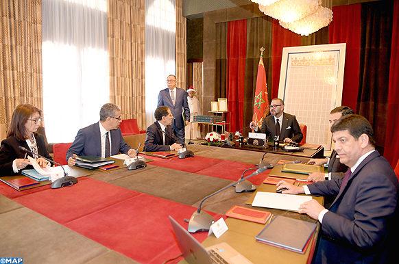 البكوري: الملك حريص على تتبع مدى تقدم إنجاز مشاريع الطاقات المتجددة