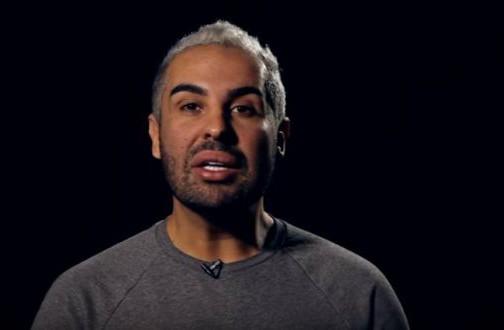 دوك صمد يرد على المشككين في حادث الاعتداء: لا أرد على كلام السفهاء !