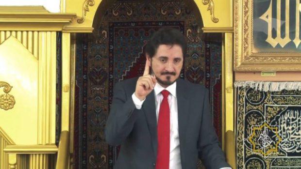 سلفيون يهاجمونه ويعارضون دعوته إلى مساجد المغرب.. زوبعة حول الداعية عدنان إبراهيم
