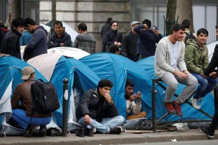تفكيك شبكة للنصب على طالبي اللجوء في فرنسا.. التبزنيس هو اللي خدام عند البوليساريو