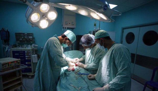 باقي الخير فالبلاد.. تبرع بالكلي وتدخل طبي ناجح ينقذ شخصين من الموت