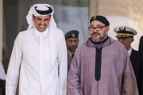 وصف قيادته بالرشيدة.. برقية تهنئة من الملك إلى أمير دولة قطر