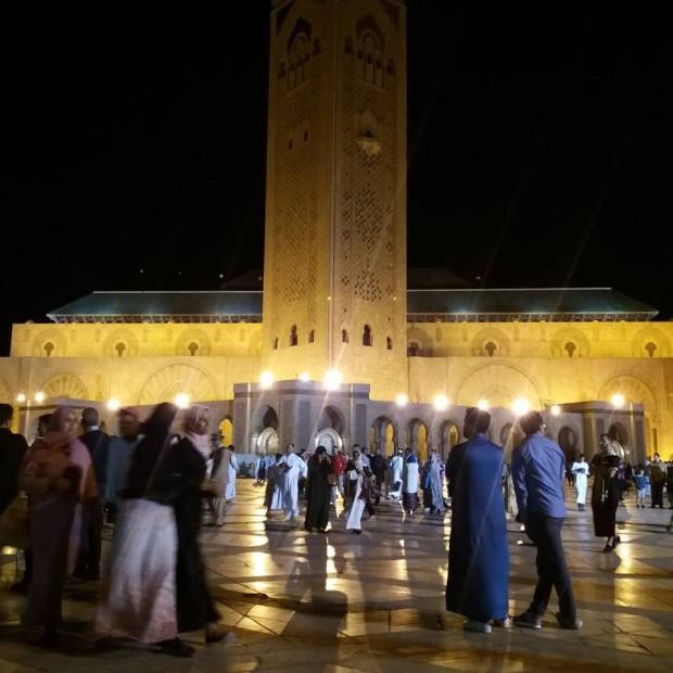 ليلة 27 فمسجد الحسن الثاني/ كازا.. اللي ما صلى يتنزه! (صور)