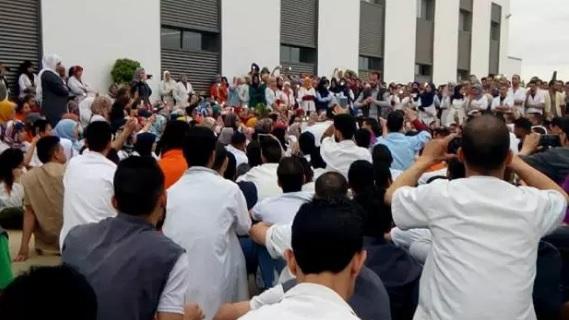 """بعد اتفاق مع الإدارة.. عمال """"دلفي"""" يوقفون الإضراب"""