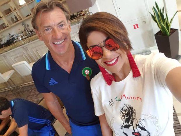 بزاف ما عجبهمش الحال.. ليلى الحديوي تمارس هواية السيلفي في فندق المنتخب!