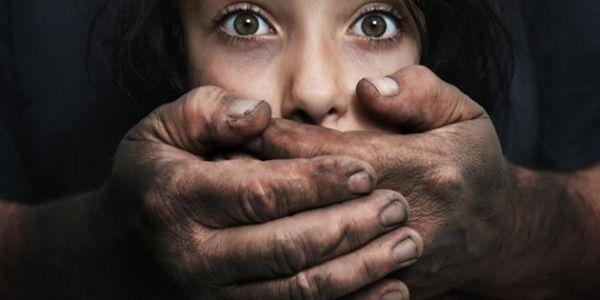 البشاعة في وجدة.. رجل حفر قبر باش يدفن بنت اختطفها باش يغتصبها ويقتلها!
