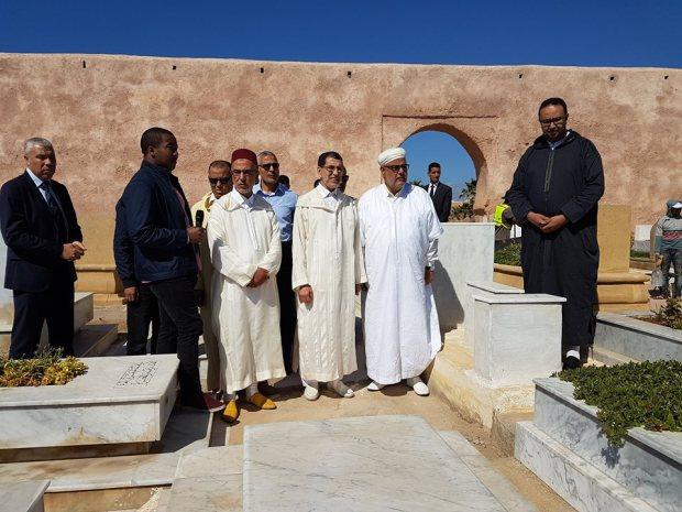 بالصور.. قبر الخطيب يجمع العثماني وابن كيران