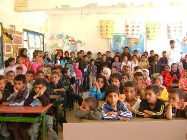 منع تكرار التلاميذ/ دعم المتعثرين/ تكوين الأساتذة.. وصفة التقويم التربوي في المغرب
