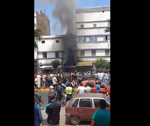 بالفيديو من كازا.. النيران تلتهم بناية سكنية