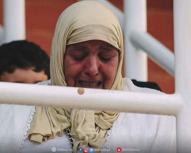 بالصور.. دموع وأجواء حزينة في مباراة بركان والبورسعيدي