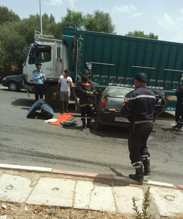 وفاة سائق سيارة ومُرافقته في حالة خطيرة.. حادثة سير في تاونات (صور)