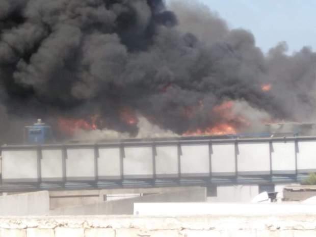 بالصور والفيديو من آسفي.. حريق مهول في أحد مصنع للكبار