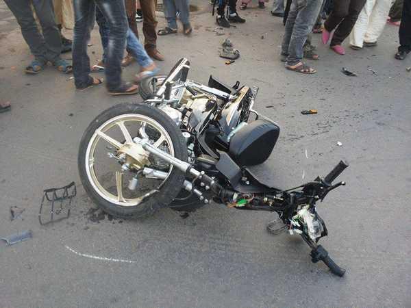 ماشي غير الطوموبيلات.. قتيل وجرحى في اصطدام دراجتين ناريتين