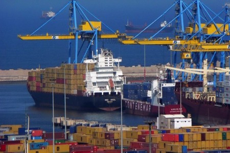 """واردات وصادرات واستثمارات.. المغرب """"عاجز"""" تجاريا!"""