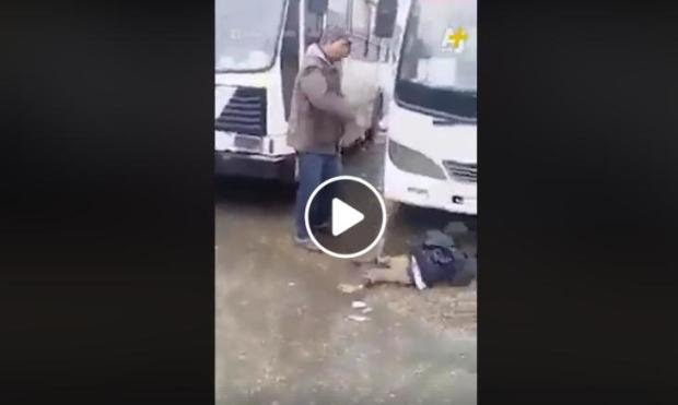 """بالفيديو.. صدمة في الجزائر بعد """"صفعة عنصرية"""" لطفل إفريقي"""