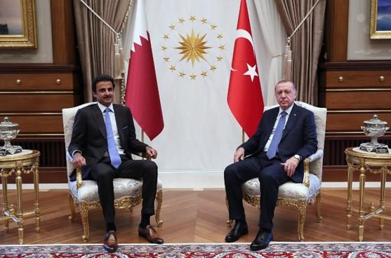حرب الليرة والدولار.. أمير قطر في تركيا دعما لأردوغان