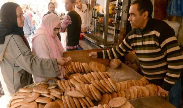 البعض استغل العيد لرفع الثمن.. الخبزة وصلات 5 دراهم!