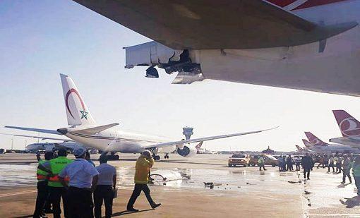 بالفيديو من مطار إسطنبول.. اصطدام طائرة مغربية بأخرى تركية
