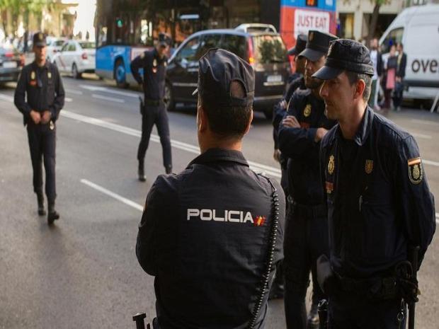 """صاح """"الله أكبر"""".. مقتل مهاجم مركز شرطة في إسبانيا"""