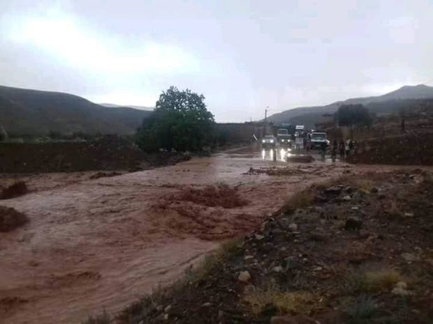 واخا الصيف ردوا البال من الرعدات.. السيول تقطع الطريق بين مراكش وورزازات