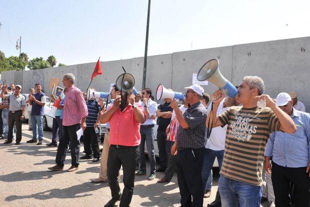بالصور من الرباط.. مهنيو النقل في الحافلات يحتجون ضد بوليف