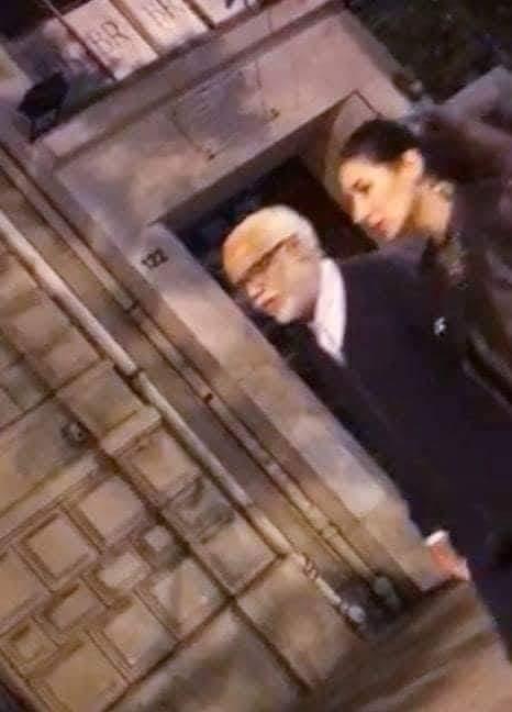 """""""عودة الشيخ إلى صباه"""" والسفر في الذات في باريس.. حملة سخرية واسعة من الوزير يتيم"""