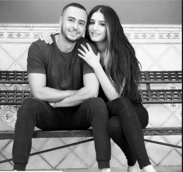 أرشيف الصيف.. هشام مسرار رفقة زوجته