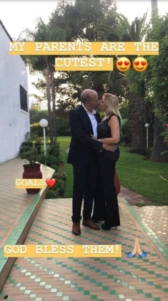 صوراتهم بنتهم زينة.. قبلة الحب بين سعيد عويطة وزوجته