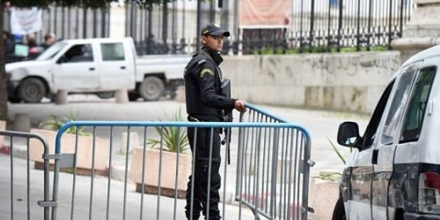 القضية حامضة.. إلغاء حراسة الممثليات الدبلوماسية بين فرنسا والجزائر