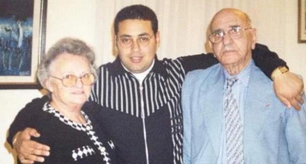"""والد """"قاتل"""" أرملة محمد امجيد: ابني يعاني وحاول الانتحار في السجن مرتين… ارحموه!"""
