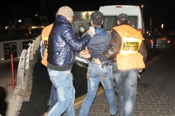 في وجدة وبركان.. جزائريون في عصابة للتزوير والهجرة السرية